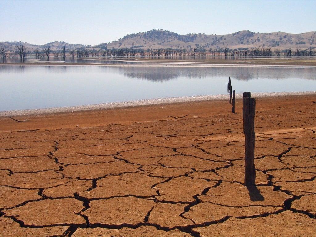 Lake Hume at 4 per cent capacity, Victoria. Credit: Tim J Keegan | Flickr, CC License