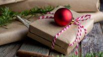 Christmas gift, Image: Mel Poole / Unsplash