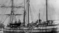 """South Sea islanders on the labour recruitment ship """"May"""" at Bundaberg"""