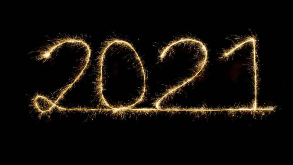 2021 written with a sparkler